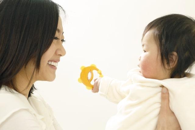 赤ちゃんと母親