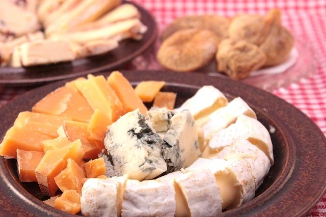 チーズとドライイチジク