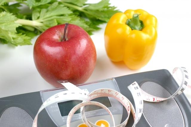 体重計と食べ物