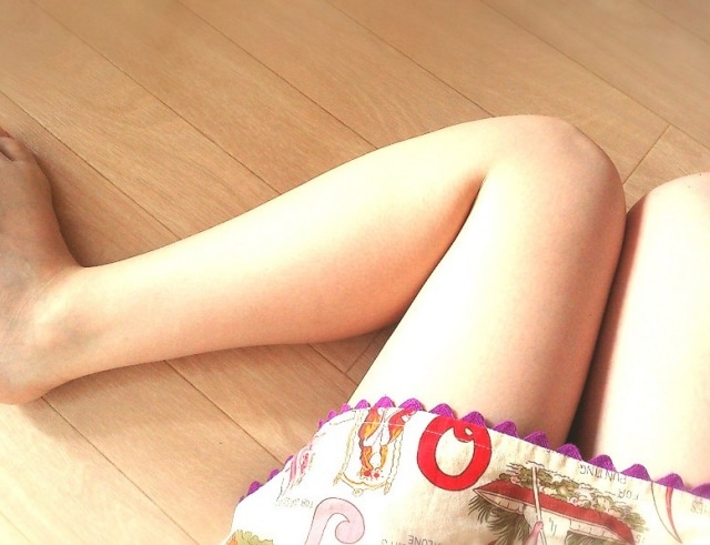 薄着の足元